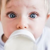 Сколько должен съедать грудной ребенок